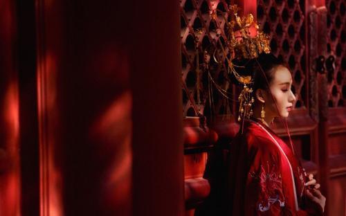 感悟爱情:皇帝的宫女